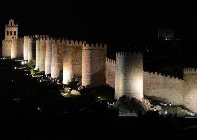 La Muralla de Ávila iluminada