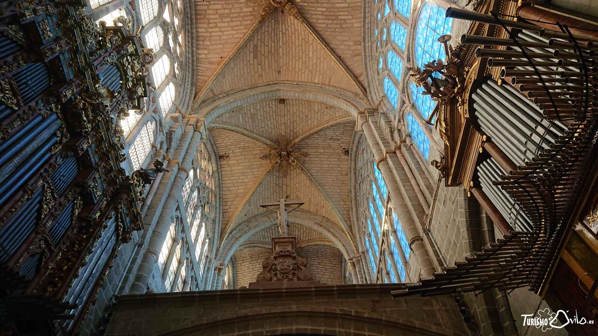Qué ver en Ávila: su Catedral. La Catedral de El Salvador, otro de los edificios a destacar en esta visita por la ciudad