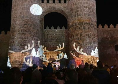 Vídeo mapping de Navidad en la Puerta del Alcázar de Ávila