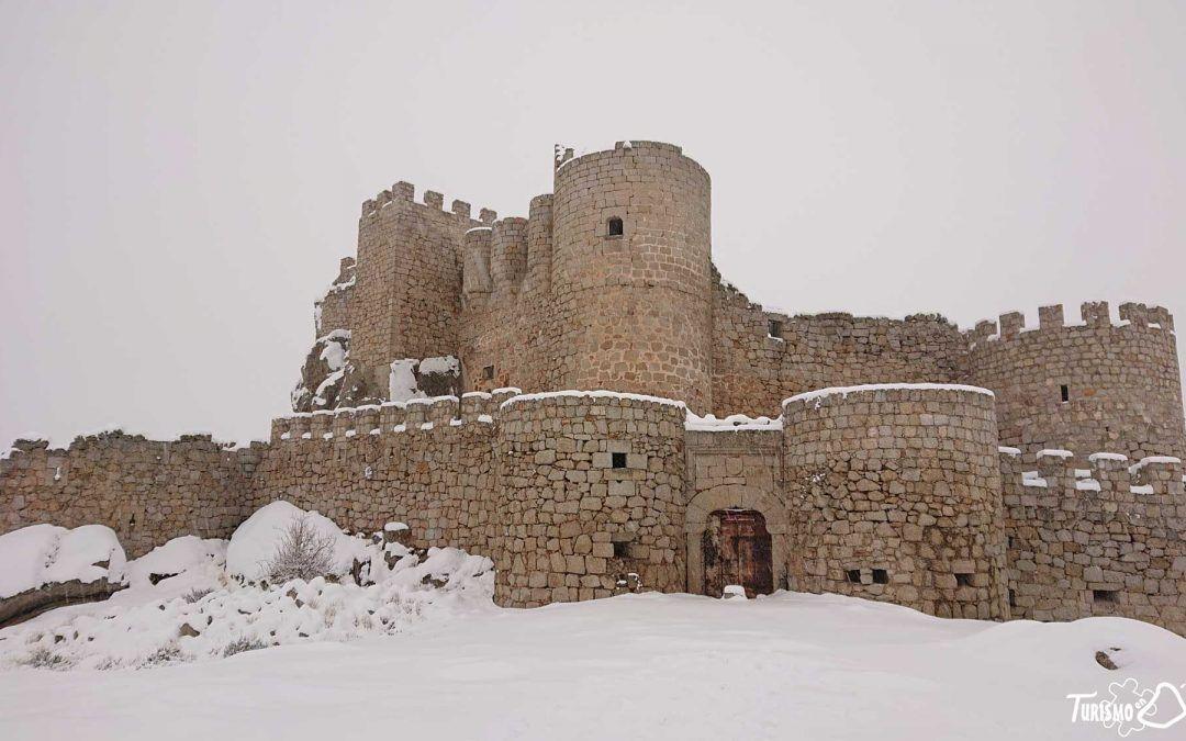 Nieve en el Castillo de Aunqueospese (Mironcillo – Ávila)